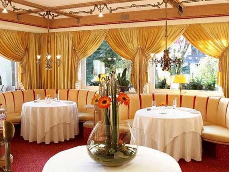 hotel sackmann baiersbronn im schwarzwald hotels 4 sterne superior hotel. Black Bedroom Furniture Sets. Home Design Ideas