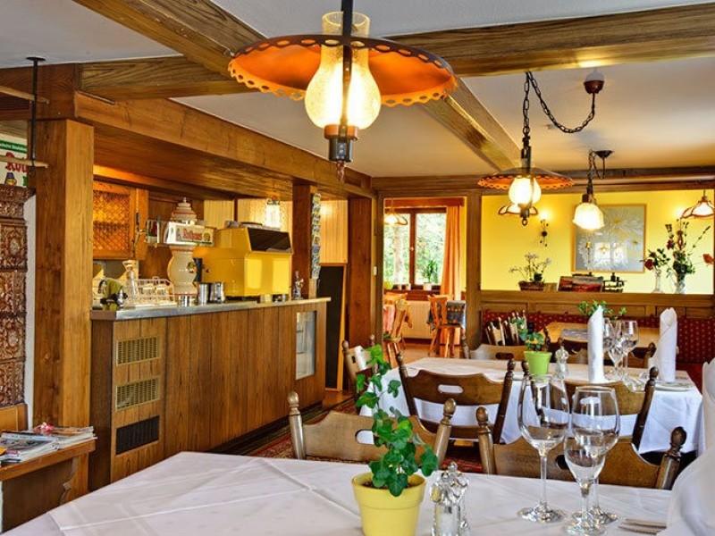 bierh usle landhotel restaurant feldberg im schwarzwald gasth user pensionen. Black Bedroom Furniture Sets. Home Design Ideas