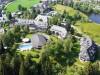 Parkhotel-Adler-Luftaufnahme-mit_Kirchblick-und_Adlersee-auf-dem_Grundstueck.JPG